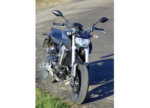 Yamaha MT-09 prova su strada - Foto 32 di 52