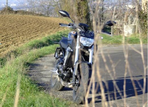 Yamaha MT-09 prova su strada - Foto 38 di 52