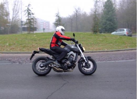 Yamaha MT-09 prova su strada - Foto 3 di 52