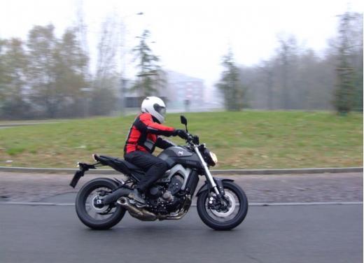 Yamaha MT-09 prova su strada - Foto 7 di 52