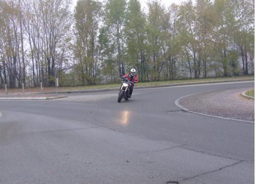 Yamaha MT-09 prova su strada - Foto 9 di 52