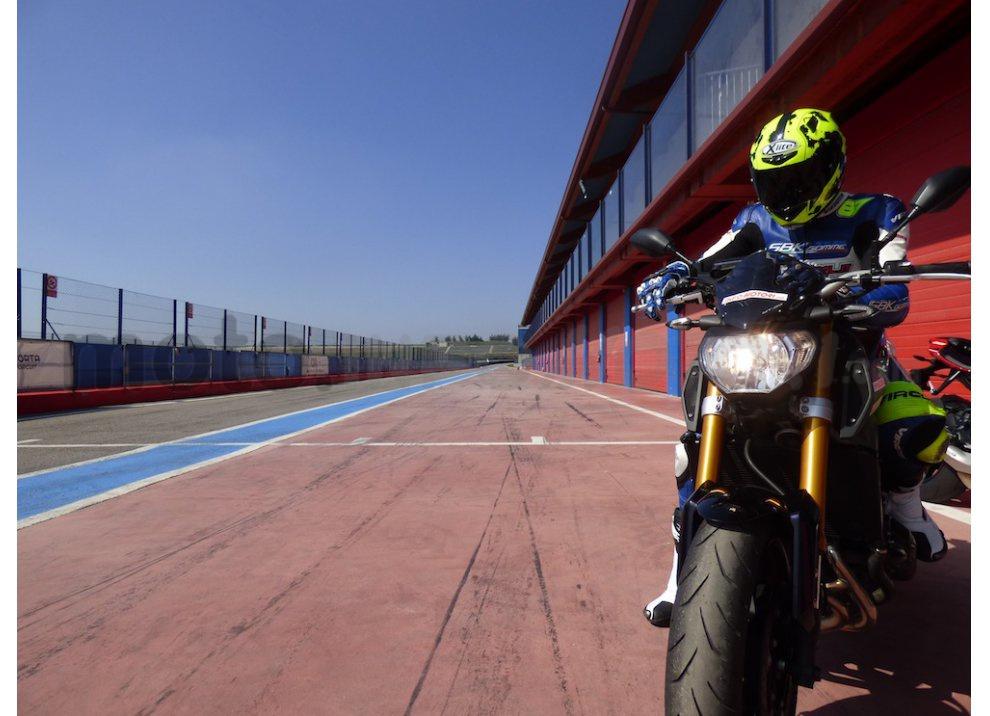 Yamaha MT-09: Test Ride in pista e su strada, la recensione