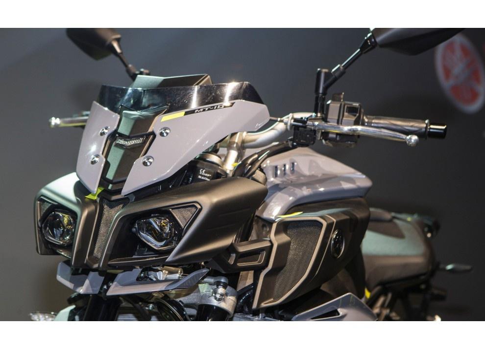 Yamaha MT-10: Dati, accessori e prezzi della supernaked di Iwata