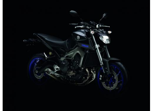 """Yamaha R6 e R1 MY 2014, aggiornamenti alle grafiche """"Race Blu"""" - Foto 6 di 10"""