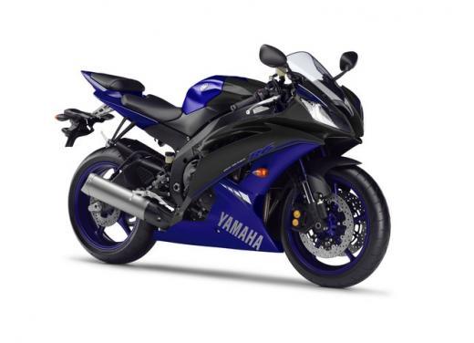 """Yamaha R6 e R1 MY 2014, aggiornamenti alle grafiche """"Race Blu"""" - Foto 1 di 10"""