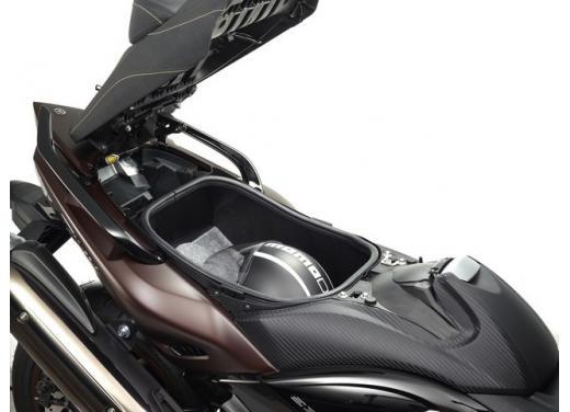 Yamaha T-Max, il maxiscooter Yamaha si conferma tra i leader nelle classifiche di vendita - Foto 6 di 10