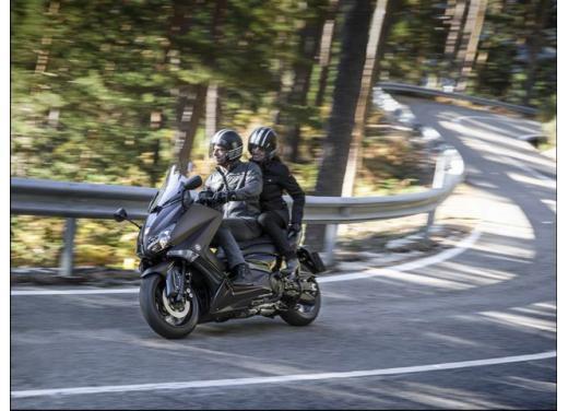 Yamaha T-Max, il maxiscooter Yamaha si conferma tra i leader nelle classifiche di vendita - Foto 1 di 10