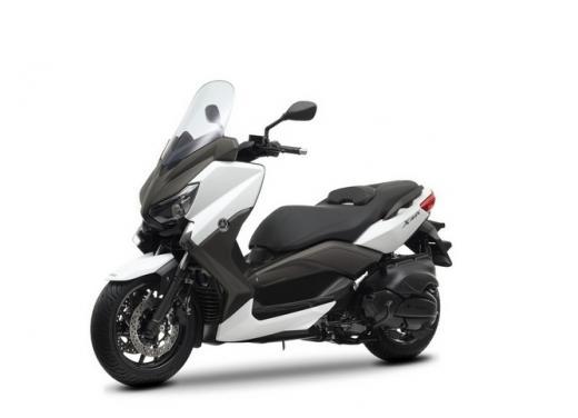 Yamaha X-Max 400, 250 e 125: sportivo ma senza eccessi