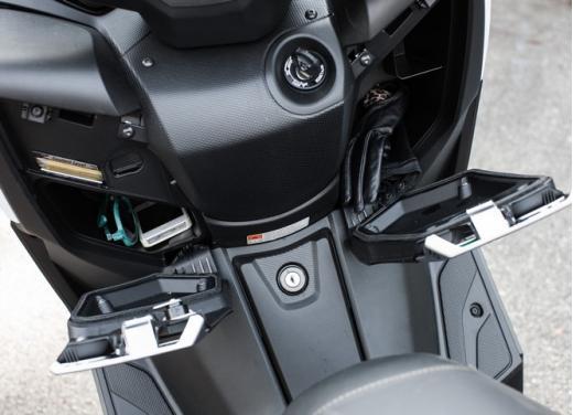 Yamaha X-Max 400: cittadino, sportivo e viaggiatore - Foto 41 di 41