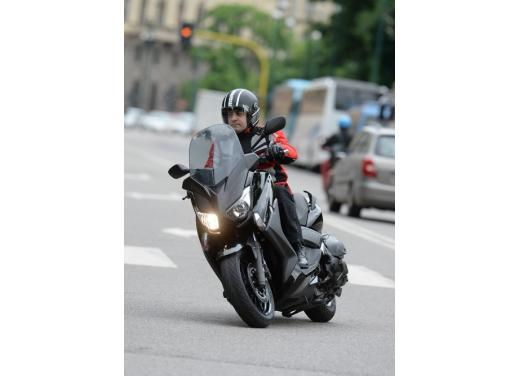 Yamaha X-Max 400: cittadino, sportivo e viaggiatore - Foto 17 di 41