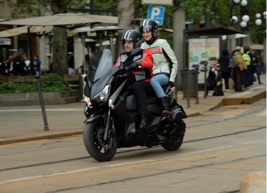 Yamaha X-Max 400: cittadino, sportivo e viaggiatore - Foto 23 di 41