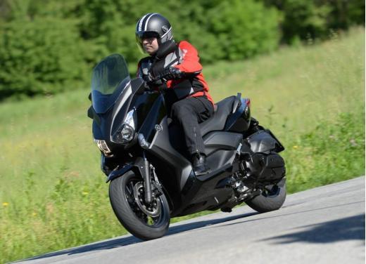 Yamaha X-Max 400: cittadino, sportivo e viaggiatore - Foto 25 di 41