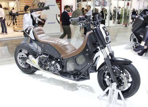 Yamaha T-Max Hyper Modified by Roland Sands