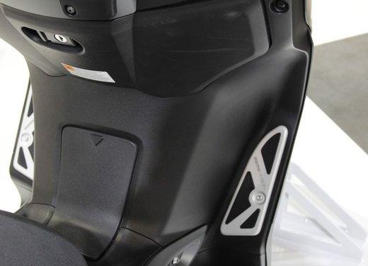 Yamaha X-Max 250 Momodesign - Foto 9 di 10