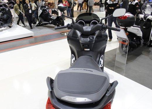 Yamaha X-Max 250 Momodesign - Foto 6 di 10