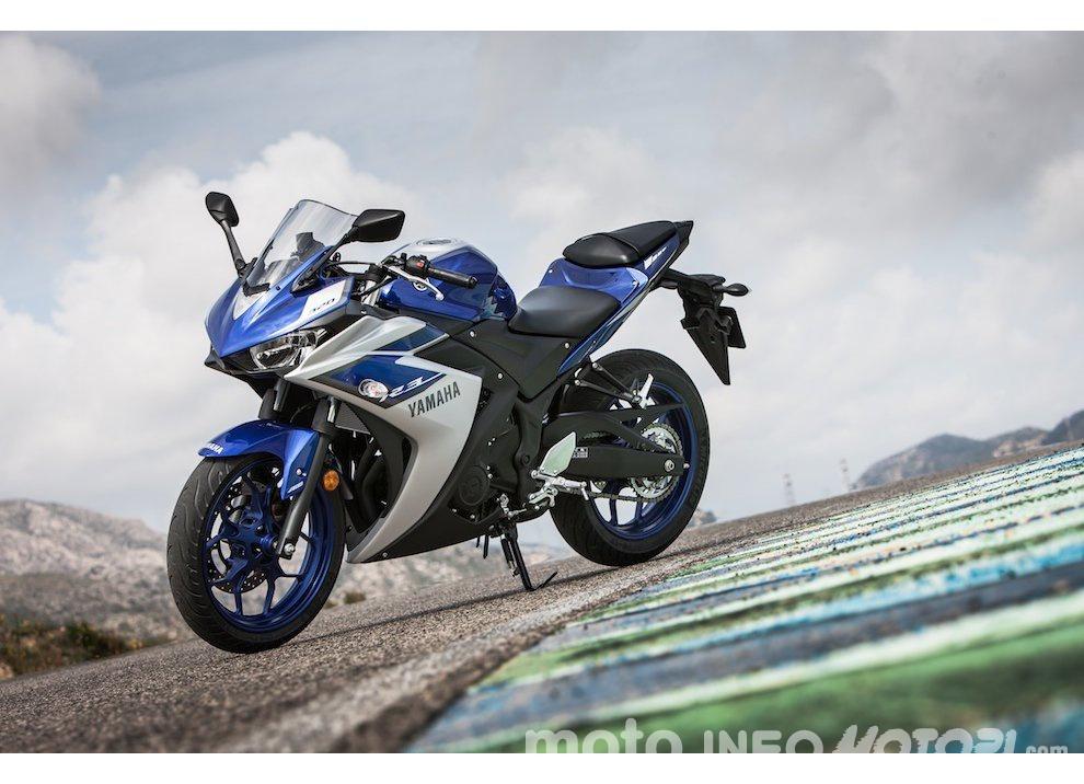 Yamaha YZF R3 al Mugello con AG Motorsport Italia - Foto 5 di 14