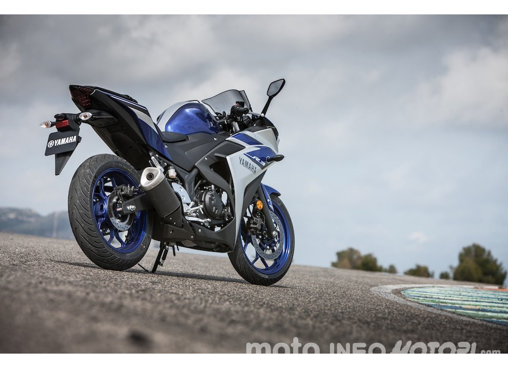 Yamaha YZF R3 al Mugello con AG Motorsport Italia - Foto 14 di 14