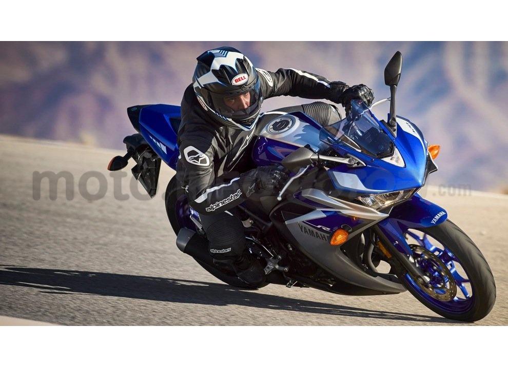 Yamaha YZF-R3, tra strada e pista con l'A2 - Foto 2 di 13