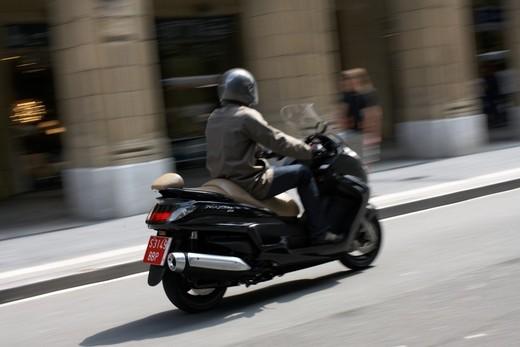 Yamaha Majesty 400, scooter da turismo secondo Yamaha - Foto 3 di 10