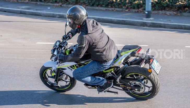 Kawasaki Z125 MY 2019: caratteristiche, opinioni e prezzo - Foto 31 di 43