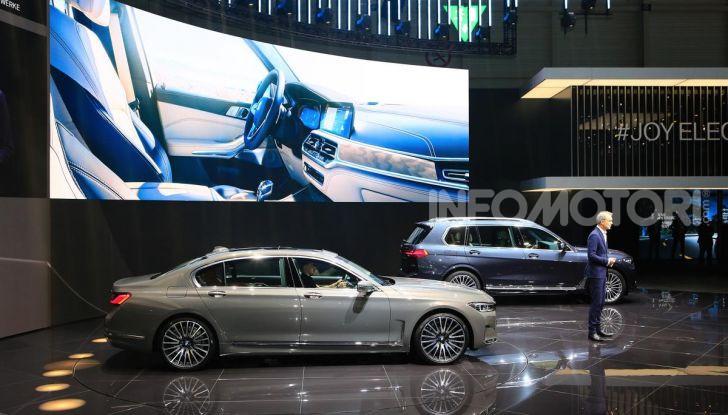 Nuova BMW Serie 7 2019: un restyling imperioso per l'ammiraglia tedesca - Foto 34 di 43