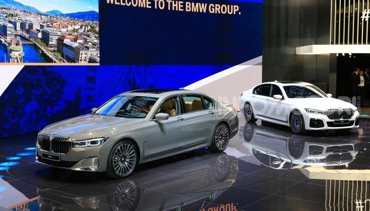 Nuova BMW Serie 7 2019: un restyling imperioso per l'ammiraglia tedesca - Foto 1 di 43