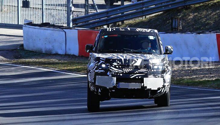 Nuova Land Rover Defender 2020, nuove immagini dei test dinamici - Foto 17 di 18