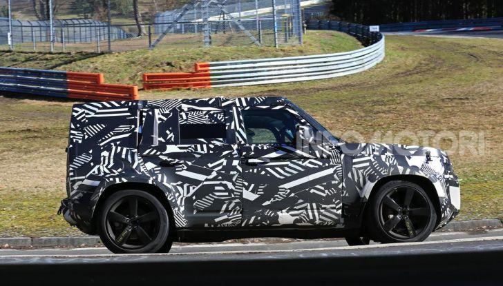 Nuova Land Rover Defender 2020, nuove immagini dei test dinamici - Foto 7 di 18