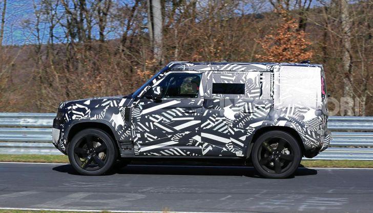 Nuova Land Rover Defender 2020, nuove immagini dei test dinamici - Foto 12 di 18