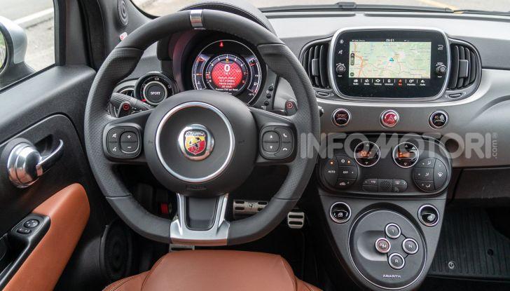 [VIDEO] Prova Abarth 595 Turismo: potenza e stile per la piccola sportiva italiana - Foto 26 di 41
