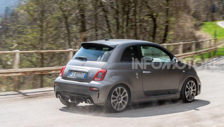 [VIDEO] Prova Abarth 595 Turismo: potenza e stile per la piccola sportiva italiana - Foto 35 di 41