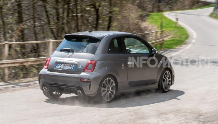 [VIDEO] Prova Abarth 595 Turismo: potenza e stile per la piccola sportiva italiana - Foto 36 di 41