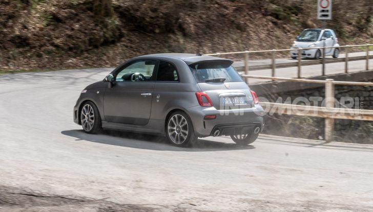 [VIDEO] Prova Abarth 595 Turismo: potenza e stile per la piccola sportiva italiana - Foto 37 di 41