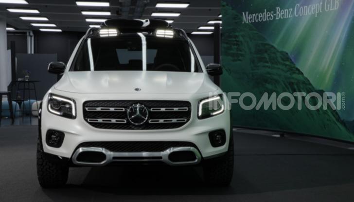 Mercedes Concept GLB: debutta il nuovo SUV compatto tedesco - Foto 11 di 18