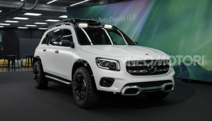 Mercedes Concept GLB: debutta il nuovo SUV compatto tedesco - Foto 6 di 18