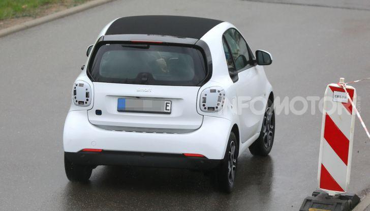 Smart EQ ForTwo 2020, prime foto e dettagli del restyling - Foto 12 di 12