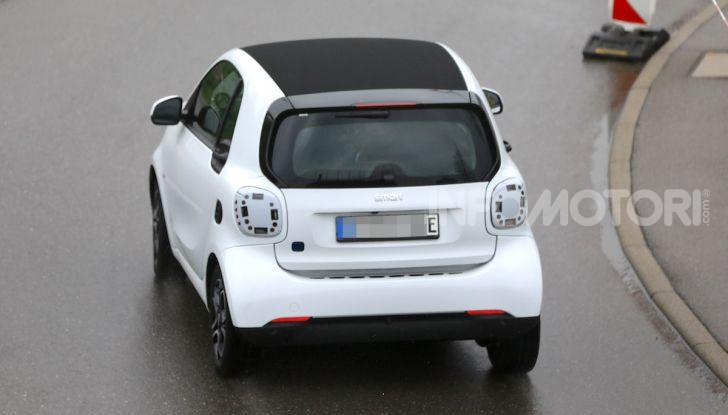 Smart EQ ForTwo 2020, prime foto e dettagli del restyling - Foto 3 di 12