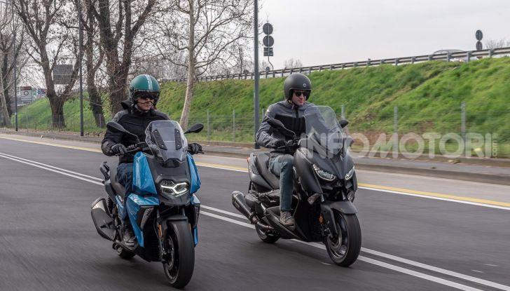 Confronto scooter 400: Bmw C400X e Yamaha XMAX 400 Iron Max - Foto 46 di 48
