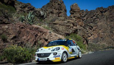 Un'esperienza su asfalto illuminante per l'ADAC Opel Rally Junior Team