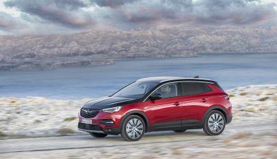 Opel Grandland X: arriva l'ibrido plug-in con trazione anteriore