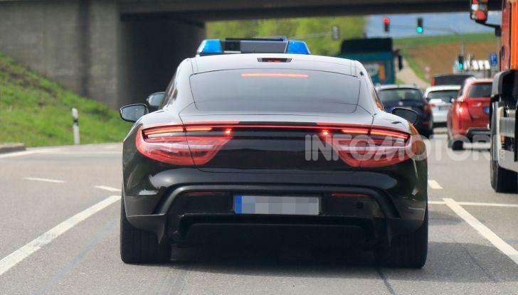 Porsche Taycan, che book: toccate le 30.000 prenotazioni - Foto 15 di 43