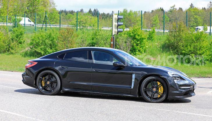 Porsche Taycan, che book: toccate le 30.000 prenotazioni - Foto 31 di 43