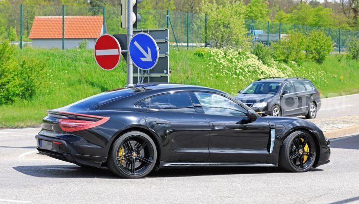 Porsche Taycan, che book: toccate le 30.000 prenotazioni - Foto 13 di 43