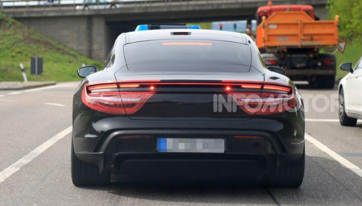 Porsche Taycan, che book: toccate le 30.000 prenotazioni - Foto 19 di 43