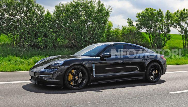 Porsche Taycan, che book: toccate le 30.000 prenotazioni - Foto 32 di 43