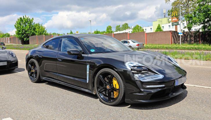 Porsche Taycan, che book: toccate le 30.000 prenotazioni - Foto 34 di 43