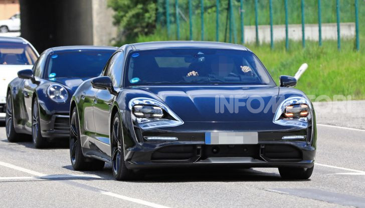 Porsche Taycan, che book: toccate le 30.000 prenotazioni - Foto 21 di 43