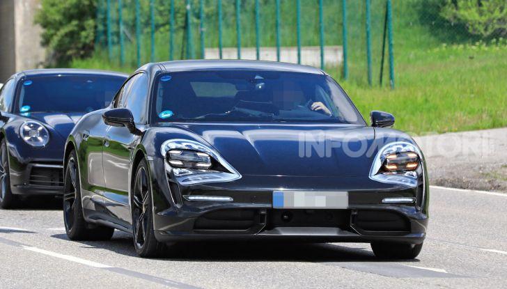 Porsche Taycan, che book: toccate le 30.000 prenotazioni - Foto 14 di 43