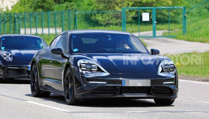 Porsche Taycan, che book: toccate le 30.000 prenotazioni - Foto 24 di 43