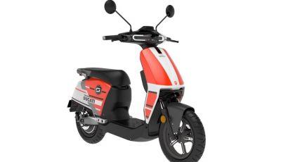 Super Soco Cux lancia lo scooter elettrico con livrea Ducati